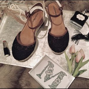 """""""ComfortView"""" Navy Lace Wedge Sandals"""